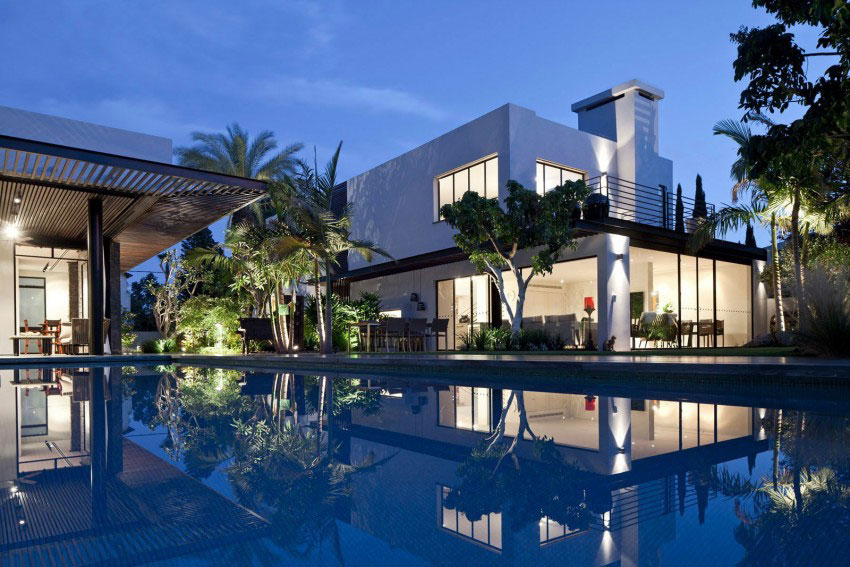 Giving-A-Modern-Look-To-An-Old-House-By-Nurit-Leshem-2