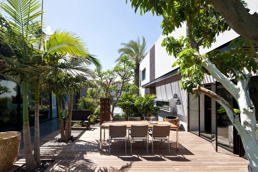 Giving-A-Modern-Look-To-An-Old-House-By-Nurit-Leshem-3