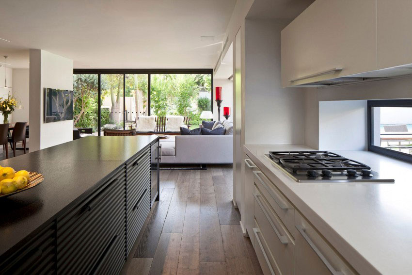 Giving-A-Modern-Look-To-An-Old-House-By-Nurit-Leshem-5