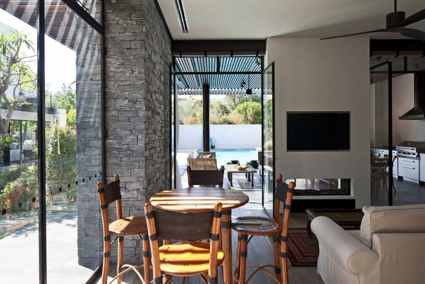 Giving-A-Modern-Look-To-An-Old-House-By-Nurit-Leshem-6
