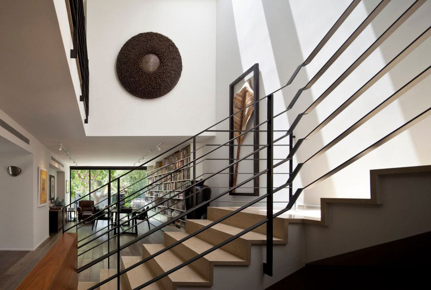 Giving-A-Modern-Look-To-An-Old-House-By-Nurit-Leshem-7