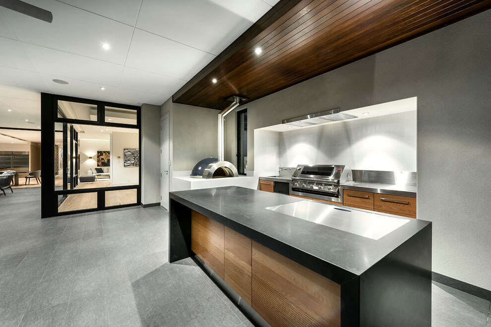 Modern-House-With-A-Special-Look-9