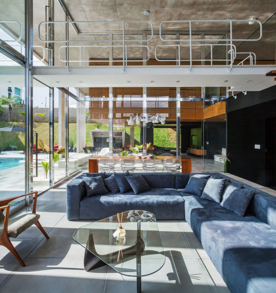 The-Botucatu-House-Stands-As-An-Architectural-Masterpiece-10