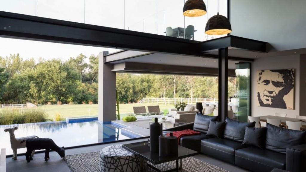 001-blair-atholl-house-nico-van-der-meulen-1050x591