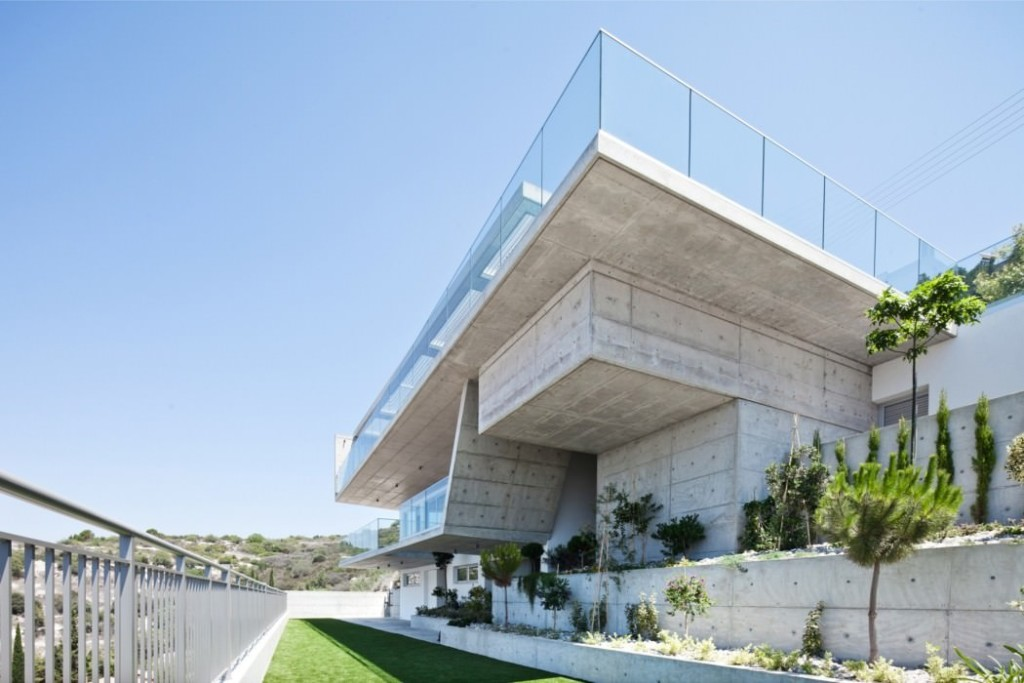 004-prodromos-desi-residence-studio-vardas-1050x700
