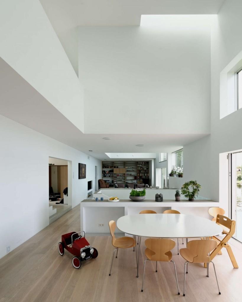 009-concrete-house-carlviggo-hlmebakk-1050x1313