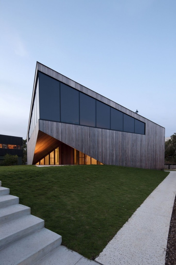 013-aireys-house-byrne-architects-1050x1575