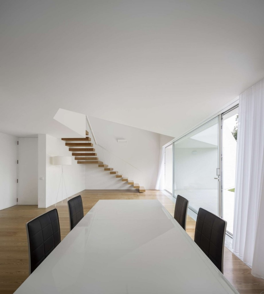 014-tade-house-rui-vieira-oliveira-vasco-manuel-fernades-1050x1168