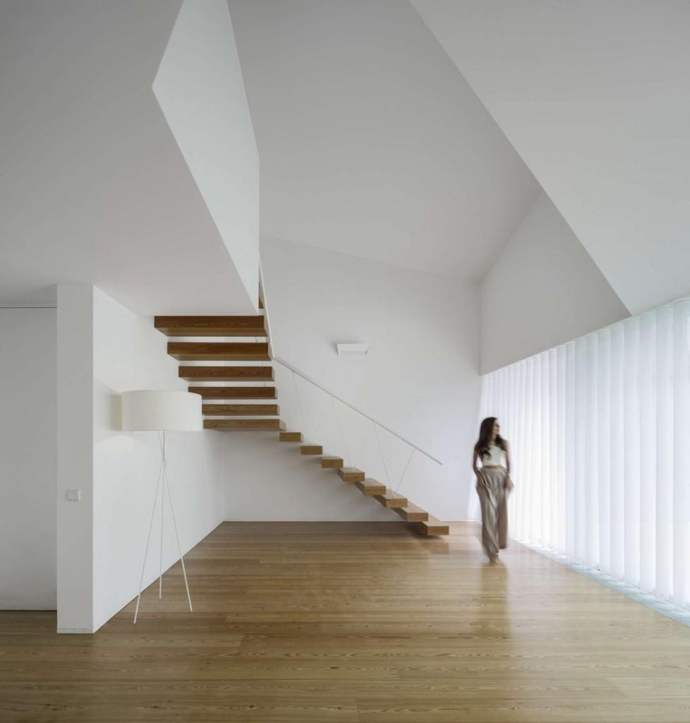 016-tade-house-rui-vieira-oliveira-vasco-manuel-fernades-1050x1099