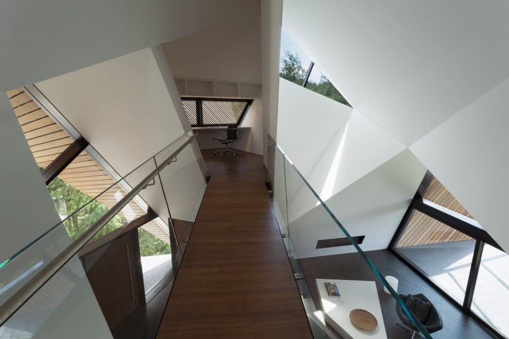 017-hadaway-house-patkau-architects-1050x700