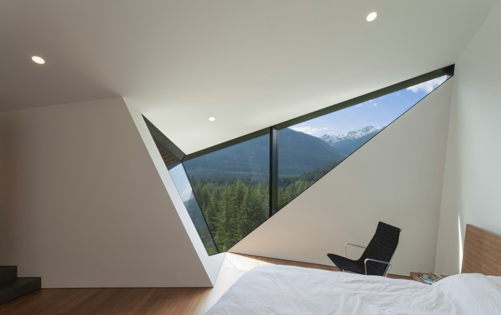 020-hadaway-house-patkau-architects-1050x660