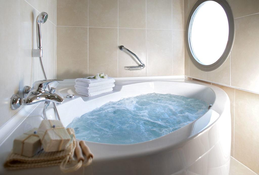 Форма гидромассажных ванн